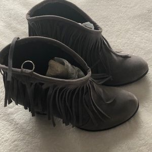 Boots size 9-9/ 1/2